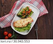 Beef with cheese and broccoli on a plate. Стоковое фото, фотограф Алексей Кокорин / Фотобанк Лори
