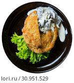 Купить «Schnitzel with mushrooms», фото № 30951529, снято 25 июня 2019 г. (c) Яков Филимонов / Фотобанк Лори