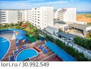 Купить «Турецкий отель View of the hotel in Turkey», фото № 30992549, снято 1 июня 2019 г. (c) Baturina Yuliya / Фотобанк Лори