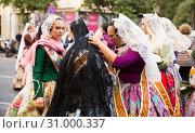 Costumed procession on festival Fallas (2019 год). Редакционное фото, фотограф Яков Филимонов / Фотобанк Лори