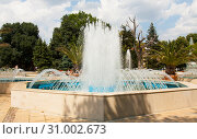 Купить «VARNA, BULGARIA - AUGUST 14, 2015: Fountain on boulevard of princes Maria-Luiza near City Council», фото № 31002673, снято 14 августа 2015 г. (c) ИВА Афонская / Фотобанк Лори