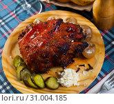 Купить «Roast pork knuckle with vegetables», фото № 31004185, снято 22 июля 2019 г. (c) Яков Филимонов / Фотобанк Лори