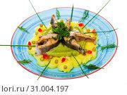 Купить «Tasty fried trout steaks with mashed potatoes, guacamole and greens», фото № 31004197, снято 17 июля 2019 г. (c) Яков Филимонов / Фотобанк Лори