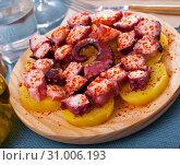 Купить «Pulpo a la gallega. Octopus galician dish», фото № 31006193, снято 12 декабря 2019 г. (c) Яков Филимонов / Фотобанк Лори