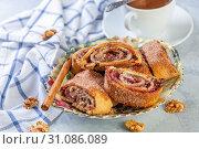 Rolls with jam, walnuts and raisins. Jewish cuisine. Стоковое фото, фотограф Марина Сапрунова / Фотобанк Лори