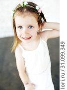 Portrait of cute beautiful little girl. Стоковое фото, фотограф ivolodina / Фотобанк Лори