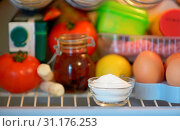 Купить «Sodium bicarbonate inside of fridge, closeup», фото № 31176253, снято 9 января 2015 г. (c) easy Fotostock / Фотобанк Лори