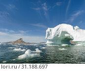 Iceberg in the Uummannaq Fjord System. America, North America, Greenland, Denmark. Стоковое фото, фотограф Martin Zwick / age Fotostock / Фотобанк Лори