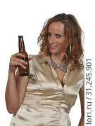 Купить «Beautiful young woman drinking a delicious bottle of beer», фото № 31245901, снято 5 августа 2017 г. (c) easy Fotostock / Фотобанк Лори