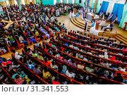 Sunday Mass in a Catholic church in Ouagadougou, Burkina Faso, West Africa, Africa. Стоковое фото, фотограф Godong / age Fotostock / Фотобанк Лори