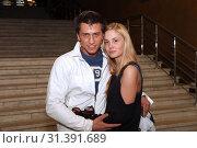 Купить «Павел Прилучный, Агата Муцениеце», фото № 31391689, снято 3 мая 2011 г. (c) Ольга Зиновская / Фотобанк Лори