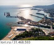 Купить «Туапсе, вид сверху на акваторию морского порта и устье реки Туапсе», фото № 31468593, снято 7 июня 2019 г. (c) glokaya_kuzdra / Фотобанк Лори