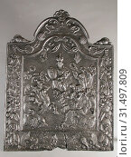 Купить «Fireback queen with arms of Amsterdam, lions, centaur and women with laurel wreaths, hob cast iron, cast Rectangular with arch at the top on which shells...», фото № 31497809, снято 4 ноября 2018 г. (c) age Fotostock / Фотобанк Лори
