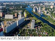 Купить «Московская область, вид сверху на город Химки и канал имени Москвы», фото № 31503837, снято 30 июня 2019 г. (c) glokaya_kuzdra / Фотобанк Лори