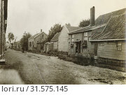 Купить «Village street with wooden houses, Anonymous, c. 1900», фото № 31575145, снято 21 августа 2016 г. (c) age Fotostock / Фотобанк Лори