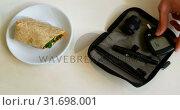 Купить «Glucometer set and food on table 4k», видеоролик № 31698001, снято 1 сентября 2018 г. (c) Wavebreak Media / Фотобанк Лори