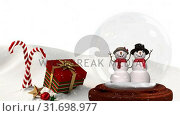 Купить «Cute Christmas animation of snowman couple and Christmas gift in snowy landscape 4k», видеоролик № 31698977, снято 26 октября 2018 г. (c) Wavebreak Media / Фотобанк Лори