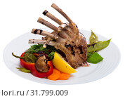 Купить «Roasted rack of mutton with vegetables», фото № 31799009, снято 4 июля 2020 г. (c) Яков Филимонов / Фотобанк Лори