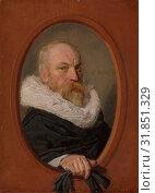 Petrus Scriverius (1576–1660), 1626, Oil on wood, 8 3/4 x 6 1/2 in. (22.2 x 16.5 cm), Paintings, Frans Hals (Dutch, Antwerp 1582/83–1666 Haarlem),... (2017 год). Редакционное фото, фотограф © Copyright Artokoloro Quint Lox Limited / age Fotostock / Фотобанк Лори