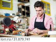 Joiner working in workshop. Стоковое фото, фотограф Яков Филимонов / Фотобанк Лори