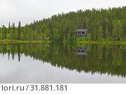 Купить «Picturesque northern lake in Lapland. Finland», фото № 31881181, снято 6 июля 2019 г. (c) Валерия Попова / Фотобанк Лори