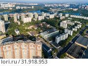 Москва, Северный округ, вид сверху на Левобережный район (2019 год). Стоковое фото, фотограф glokaya_kuzdra / Фотобанк Лори