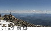 Купить «Time lapse of cloudscape behind of the mountains top. Snow, rocks, cliffs and deep blue sky. High altitude.», видеоролик № 31958529, снято 23 июля 2019 г. (c) Александр Маркин / Фотобанк Лори