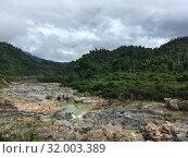 Купить «Shallow river in Indochina in dry season», фото № 32003389, снято 18 октября 2017 г. (c) Александр Подшивалов / Фотобанк Лори