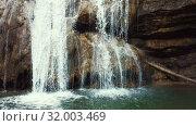 Купить «El Torrent de la Cabana small mountain stream with crystal clear water», видеоролик № 32003469, снято 23 марта 2018 г. (c) Яков Филимонов / Фотобанк Лори