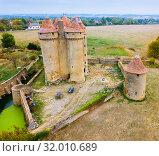 View of gorgeous castle Chateau Sarzay (2018 год). Стоковое фото, фотограф Яков Филимонов / Фотобанк Лори