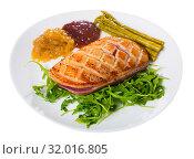 Купить «Fried duck breast Magre served with tasty sauces and arugula», фото № 32016805, снято 11 июля 2020 г. (c) Яков Филимонов / Фотобанк Лори