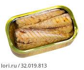 Купить «Mackerel fillets in sunflower oil», фото № 32019813, снято 19 августа 2019 г. (c) Яков Филимонов / Фотобанк Лори