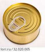 Купить «Close-up of metal bronze tin can on white background», фото № 32020005, снято 24 августа 2019 г. (c) Яков Филимонов / Фотобанк Лори