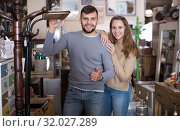 Купить «girl and her boyfriend in antique furnishings showroom», фото № 32027289, снято 9 ноября 2017 г. (c) Яков Филимонов / Фотобанк Лори
