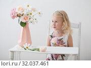 Купить «beautiful little blonde girls with flowers on white background», фото № 32037461, снято 15 августа 2019 г. (c) Майя Крученкова / Фотобанк Лори