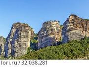 Купить «View of rocks in Meteora, Greece», фото № 32038281, снято 8 июня 2019 г. (c) Boris Breytman / Фотобанк Лори