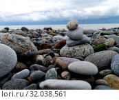 Pebbles on the beach close-up. sea coast (2019 год). Редакционное фото, фотограф vlasova / Фотобанк Лори