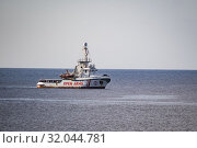 A view of Spanish humanitarian ship Open Arms, with 147 migrants on board, in the immediate vicinity of Lampedusa, southern Italy, 17 August 2019. Several... Редакционное фото, фотограф Agf/Alessandro Serrano' / age Fotostock / Фотобанк Лори