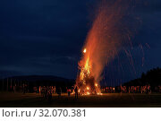 Das Sonnwend- oder Petersfeuer. Стоковое фото, фотограф RoHa-Fotothek Fürmann / age Fotostock / Фотобанк Лори