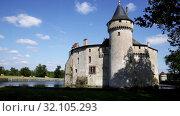 Купить «Castle Chateau de la Brede. Gironde. France», видеоролик № 32105293, снято 14 ноября 2019 г. (c) Яков Филимонов / Фотобанк Лори