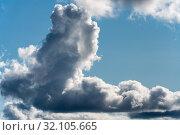 Купить «Симпатичные облака в небе, натуральный природный фон», фото № 32105665, снято 29 августа 2019 г. (c) А. А. Пирагис / Фотобанк Лори