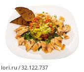 Купить «Trout fillets with guacamole salad», фото № 32122737, снято 21 сентября 2019 г. (c) Яков Филимонов / Фотобанк Лори