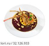 Купить «Lamb ribs served with slice of eggplant», фото № 32126933, снято 17 февраля 2020 г. (c) Яков Филимонов / Фотобанк Лори