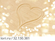 Купить «picture of heart in sand on summer beach», фото № 32130381, снято 27 июня 2018 г. (c) Syda Productions / Фотобанк Лори