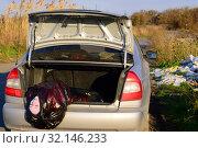 Труп девушки в багажнике автомобиля. Стоковое фото, фотограф Арестов Андрей Павлович / Фотобанк Лори
