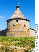 Купить «Tower of old Russian medieval Oreshek fortress», фото № 32170353, снято 8 августа 2018 г. (c) FotograFF / Фотобанк Лори