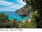 Cala Blanca Andratx picturesque landscape turquoise sea rocky mountains, Mallorca, Spain (2019 год). Стоковое фото, фотограф Alexander Tihonovs / Фотобанк Лори