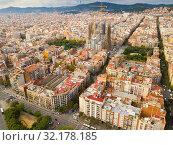 Купить «Aerial view of Barcelona with Sagrada Familia», фото № 32178185, снято 19 ноября 2018 г. (c) Яков Филимонов / Фотобанк Лори