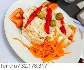Купить «Salad with carrots and olives», фото № 32178317, снято 19 сентября 2019 г. (c) Яков Филимонов / Фотобанк Лори