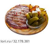 Купить «Roasted veal steak», фото № 32178381, снято 19 сентября 2019 г. (c) Яков Филимонов / Фотобанк Лори